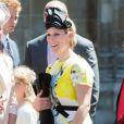 Zara Phillips lors de la cérémonie pour les 60 ans du couronnement de la reine Elizabeth II, le 4 juin 2013 en l'abbaye de Westminster. Son mari Mike Tindall, avec le prince Harry en arrière-plan, a eu bien du mal à rester éveillé...