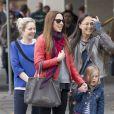 La chanteuse Mel C (Melanie Chisholm) se promène avec sa fille Scarlet (4 ans) dans les rues d'Adelaide en Australie le 6 juin 2013.