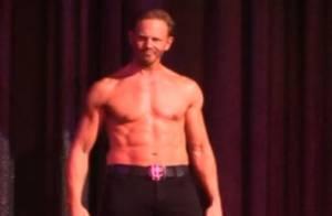 Ian Ziering (Beverly Hills) : Premières images du nouveau et sexy chippendale !