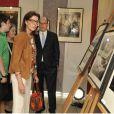 Le prince Albert II de Monaco et la princesse Caroline de Hanovre, qui ont pris le temps de découvrir les photos d'André Villers, étaient présents au côté de la veuve de Léo Ferré, Marie-Christine, venue de Toscane avec son fils Mathieu et ses petits-enfants Charlotte et Nicolas, le 11 juin 2013 à Monaco pour le baptême de l'Espace Léo-Ferré, ex-Salle du Canton.