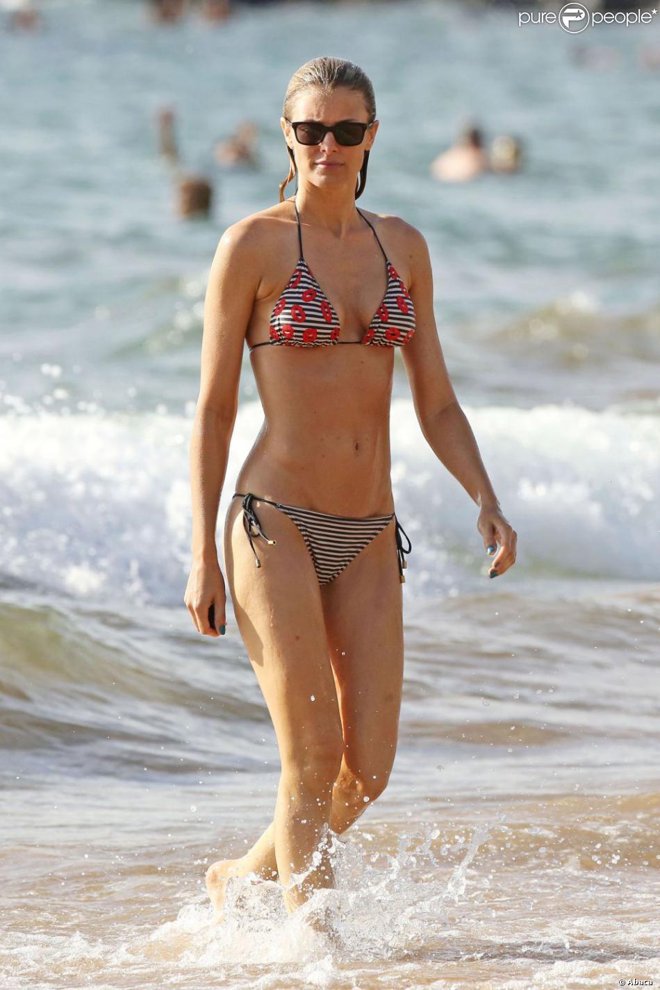 La ravissante Paige Butcher profite de la plage à Maui. Hawaï, le 12 juin 2013.