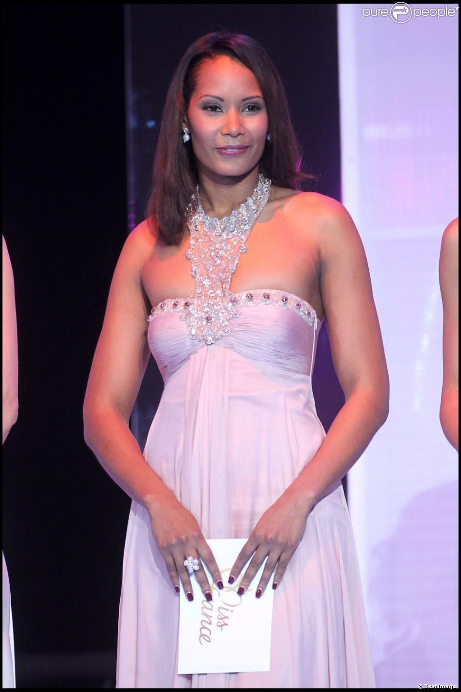 Corinne Coman lors de l'élection Miss France 2011 à Caen, le 4 décembre 2010.
