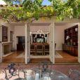 """""""La star Jodie Foster a mis en vente sa maison de Los Angeles pour la somme de 6,4 millions de dollars."""""""