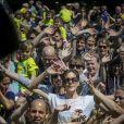 """La princesse Mary de Danemark le 15 juin 2013 au grand parc de Copenhague lors de la course de relais pour enfants """" Fri for Mobberi """", une initiative de la Fondation Princesse Mary et l'association Red Barnet dans le cadre de la lutte contre les intimidations et l'exclusion en milieu scolaire."""