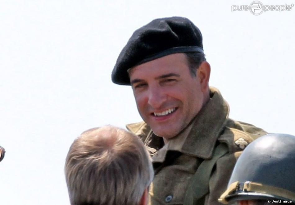 Exclu - Jean Dujardin sur le tournage de The Monuments Men sur les côtes anglaises, le 5 juin 2013.