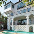 Vue générale de la superbe villa de Gerard Butler à Los Feliz, Los Angeles.