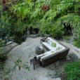 Le jardin romantique et cosy de la villa de Gerard Butler à Los Feliz, Los Angeles.