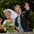 Lady Melissa Percy avec son père Ralph Percy, Duc de Northumberland lors de son mariage avecThomas van Straubenzee à Alnwick en Angleterre le 22 juin 2013