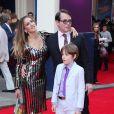 Sarah Jessica Parker, Matthew Broderick et leur fils James à la première représentation de Charlie et la Chocolaterie au Theatre Royal Drury Lane à Londres le 25 juin 2013.
