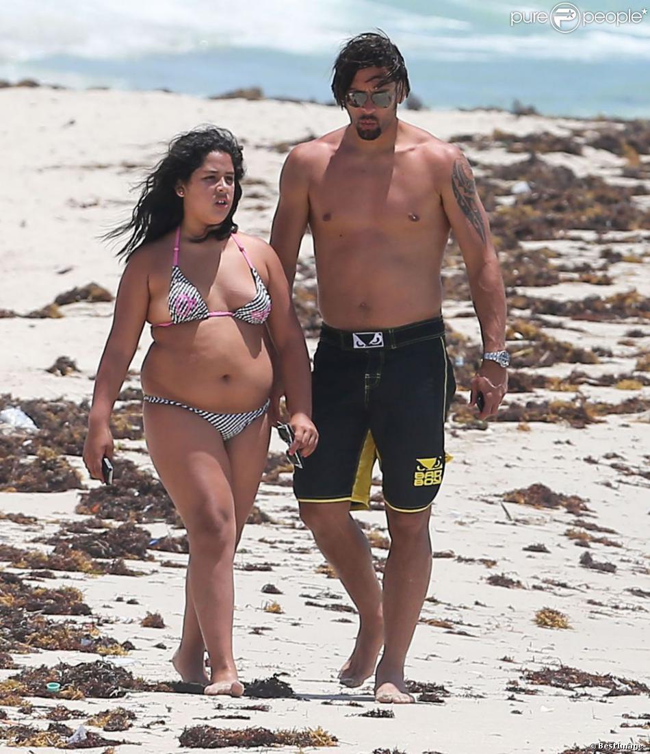 Exclusif - Le footballeur brésilien Amauri Carvalho en vacances à Miami avec son fils Hugo et sa fille Cindy, le 26 Juin 2013.