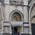 Les invités rentrent pour les funérailles de James Gandolfini à la cathédrale Saint John The Divine à New York, le 27 juin 2013.