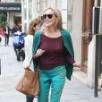 Sharon Stone, accompagnée de son fils Roan Bronstein, est allée faire du shopping avecson amie Inès de la Fressange à Paris le 4 juillet 2013