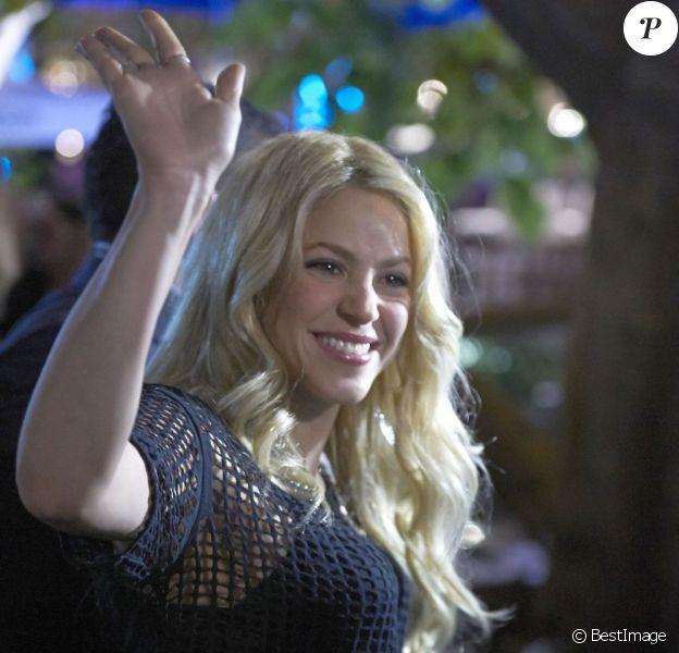 """La chanteuse Shakira à l'émission """"Extra!"""" à Los Angeles, le 6 mai 2013."""