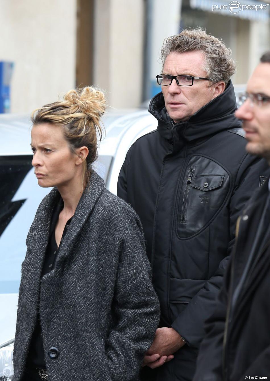 Denis Brogniart et sa femme Hortense aux obsèques de Gérald Babin en avril 2013