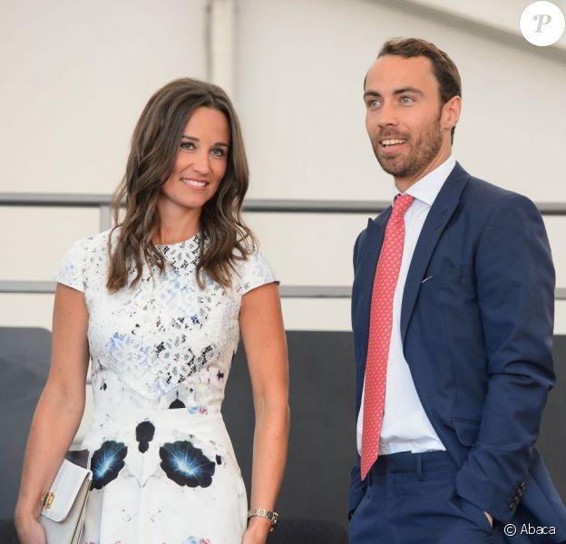 Pippa et James Middleton le 11 juillet 2013 au gala du premier jour du Coronation Festival organisé à Buckingham Palace par la Royal Warrants Holders Association à l'occasion des 60 ans du couronnement d'Elizabeth II.