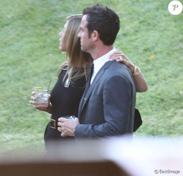 Mariage de Jimmy Kimmel et Molly McNearney à Ojai, le 13 juillet 2013. Ici on peut voir Jennifer Aniston et Justin Theroux.