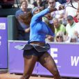 Serena Williams lors de son entrée en lice à l'open de Bastad face à Sesil Karatancheva le 16 juillet 2013