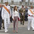 Le prince Felipe et la princesse Letizia d'Espagne à l'Académie militaire navale de Pontevedra pour la prestation de serment des jeunes diplômés, le 16 juillet 2013