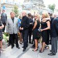 Jean Pierre Foucault et Harry Williams, fils aîné de André Verchuren aux obsèques d'André Verchuren à Chantilly le 17 juillet 2013.