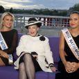 Geneviève de Fontenay entourée de Barbara Morel, Miss Nationale 2011, et Cristelle Roca, Miss Prestige national 2012, en août 2012 à Paris