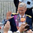 """Bain de foule pour le prince Philippe qui sera dans quelques heures le nouveau roi des Belges - après le """"Te Deum"""" en la cathédrale Saints-Michel-et-Gudule à Bruxelles, le 21 juillet 2013."""