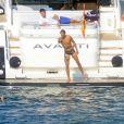 Rafael Nadal et sa petite amie Xisca Perello en vacances au large de Majorque avec leurs proches le 19 juillet 2013