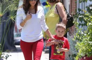 Eva Longoria : Sortie ensoleillée avec sa mère et son neveu à L.A.