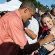 Le président Barack Obama, toujours aussi proche des enfants. Cette photo a été publiée sur le compte Facebok de la Maison Blanche pour le Jour de l'Indépendance, le 4 juillet 2013.