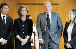 Juan Carlos Ier et Sofia d'Espagne à Compostelle, auprès des familles en deuil