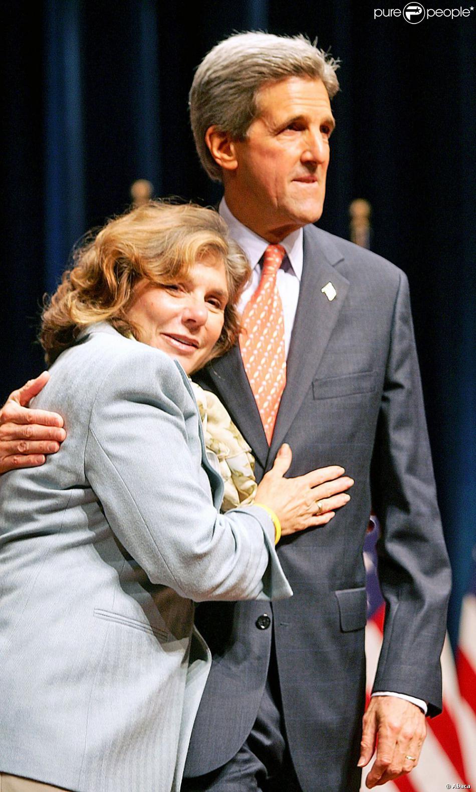 John Kerry et sa femme Teresa Heinz Kerry après un discours à New York le 20 septembre 2004
