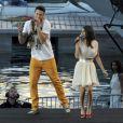 Baptiste Giabiconi et Joyce Jonathan en concert pour la Fête de la Musique, le 21 juin 2013.