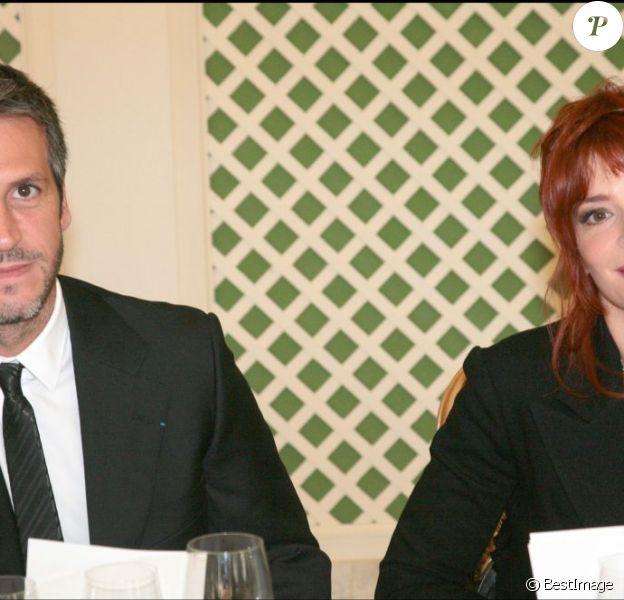 Mylène Farmer et son compagnon Benoît Di Sabatino à Paris en octobre 2007.