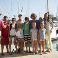 La princesse Letizia d'Espagne avec ses filles les princesses Leonor et Sofia, la reine Sofia d'Espagne, l'infante Elena d'Espagne avec ses enfants Froilan et Victoria Federica, et les enfants de la princesse Cristina, Miguel, Juan Valentin, Pablo et Irene Urdangarin à Majorque, Espagne, le 2 août 2013.