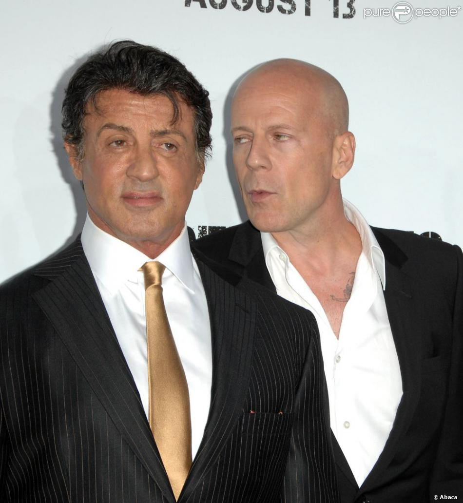 Sylvester Stallone et Bruce Willis à la première d'Expendables à Los Angeles le 3 août 2010.