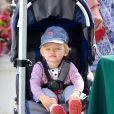 Jennifer Garner est allée faire son marché comme tous les dimanches au Farmers Market en compagnie de son mari Ben Affleck, et de leurs enfants Violet et l'adorable petit Samuel, le 11 août 2013 à Pacific Palisades