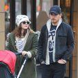 Drew Barrymore, son mari Will Kopelman et leur fille Olive lors d'une promenade dans les rues de New York le 20 Janvier 2013