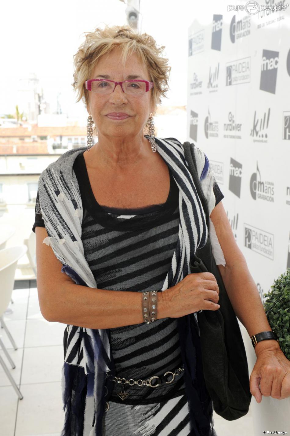 Rosalia Mera, ex-épouse d'Amancio Ortega et cofondatrice avec lui de l'empire Inditex (Zara), femme la plus riche d'Espagne et self-made woman la plus riche au monde, est morte le 15 août 2013 après avoir été victime la veille d'une attaque cérébrale lors de ses vacances à Minorque.
