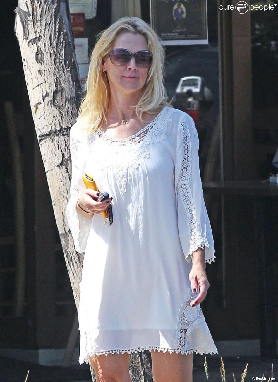 Exclusif - Jennie Garth sans maquillage dans les rues de Los Angeles, le 15 août 2013 - Au naturel, ce n'est pas la même chose