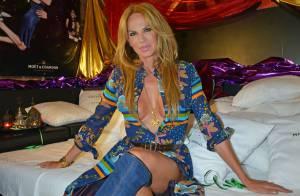 Rosalie van Breemen : Bombe hippie hyperdécolletée, Alain Delon l'aime toujours