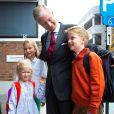 Le roi Philippe et la reine Mathilde de Belgique se sont partagé le 2 septembre 2013 la rentrée de leurs enfants Elisabeth, Gabriel, Eléonore, à Sint-Jan-Berchmans, et Emmanuel, à l'Institut Eureka, établissement d'enseignement spécialisé.