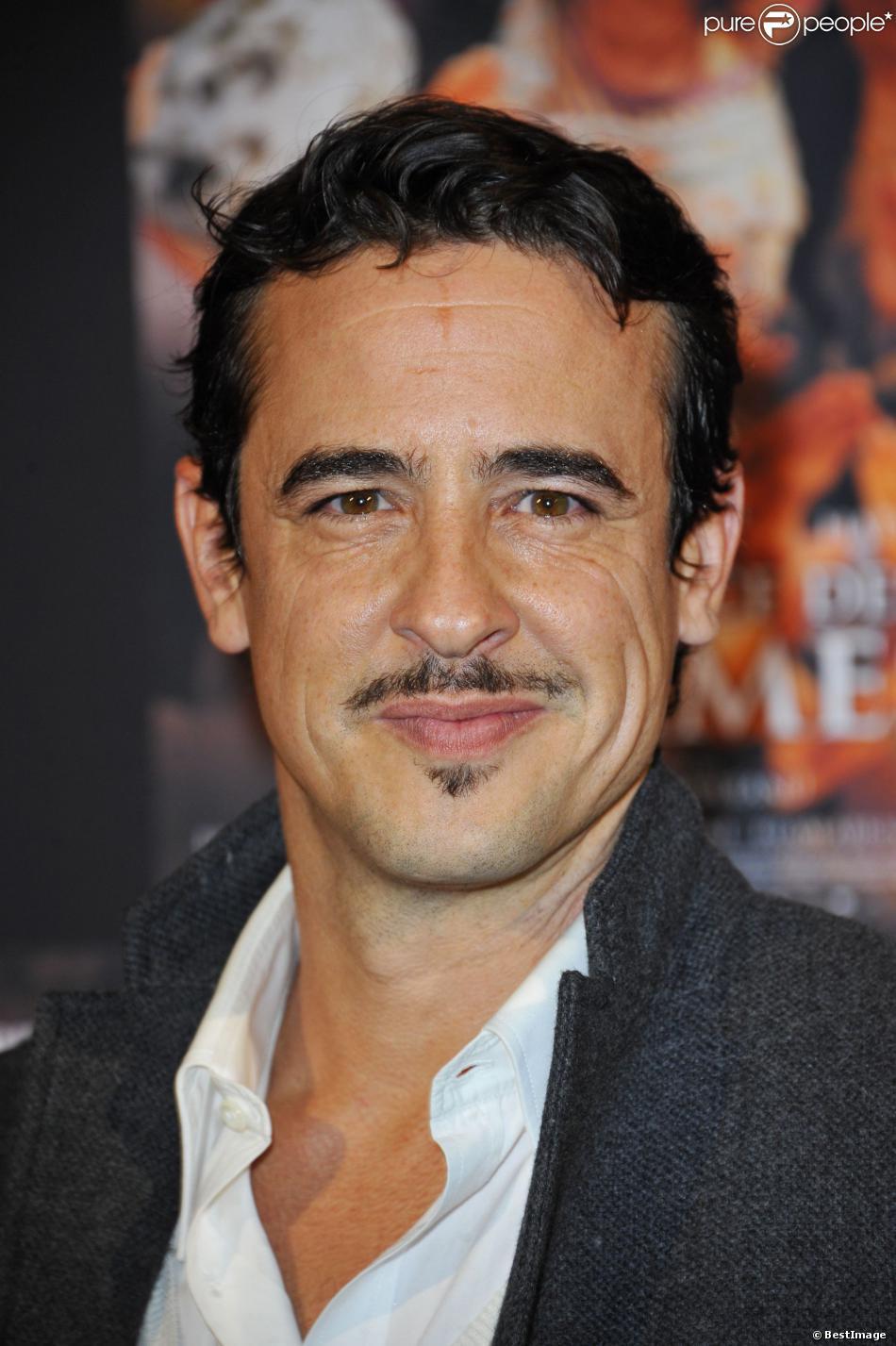 """Karim Adda à l'avant-première du film """"La source des femmes"""" à Paris, le 24 octobre 2011."""