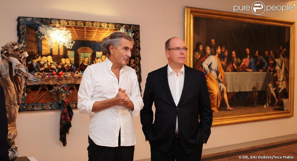 Le prince Albert a visité le 16 septembre 2013 l'exposition de Bernard-Henri Lévy, organisée au sein de la Fondation Maeght à Saint-Paul-de-Vence