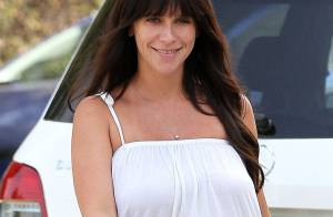 Jennifer Love Hewitt, enceinte : Rayonnante, elle affiche son ventre arrondi