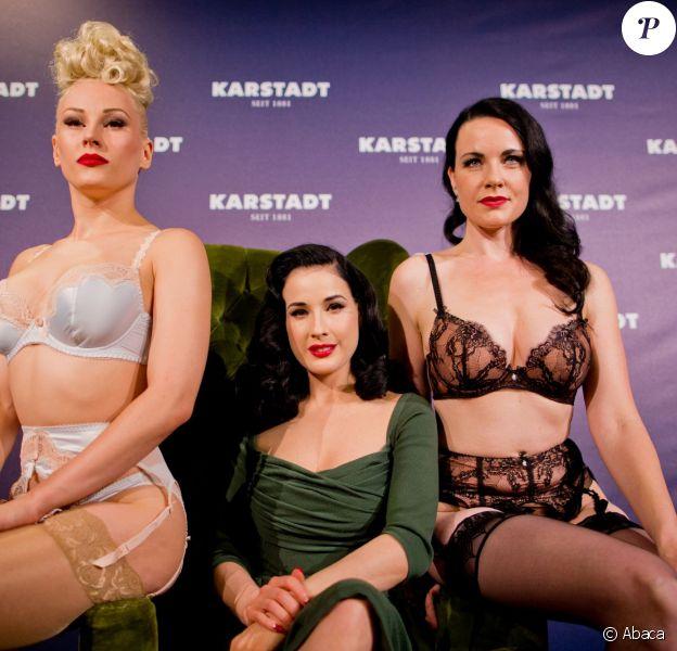 Dita von Teese présente sa ligne de sous-vêtements à Düsseldorf, le 4 septembre 2013.
