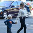 Gwen Stefani et son fils Zuma à Studio City, Los Angeles, le 27 septembre 2013.