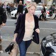 Mélanie Thierry, enceinte, quitte le Palais de Tokyo à l'issue du défilé Zadig & Voltaire. Paris, le 2 octobre 2013.
