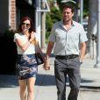Alyson Hannigan se promène avec son mari Alexis Denisof à Beverly Hills, le 14 septembre 2013.