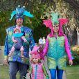 Alyson Hannigan, son mari Alexis Denisof et leurs filles Satyana et Keeva fêtent à Halloween, à Los Angeles, le 1 novembre 2012.