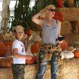 Gwen Stefani et Kingston à San Bernardino, le 12 octobre 2013.