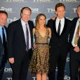 Louis d'Esposito, Kevin Feige, Natalie Portman, Tom Hiddleston et Alan Taylor à la première de Thor: Le Monde des Ténèbres au Grand Rex, Paris, le 23 octobre 2013.